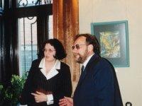 """Literatūros almanacho """"Varpai"""" redaktoriai Leonas Peleckis-Kaktavičius ir Silvija Peleckienė. 2001 m. gegužės 4 d."""