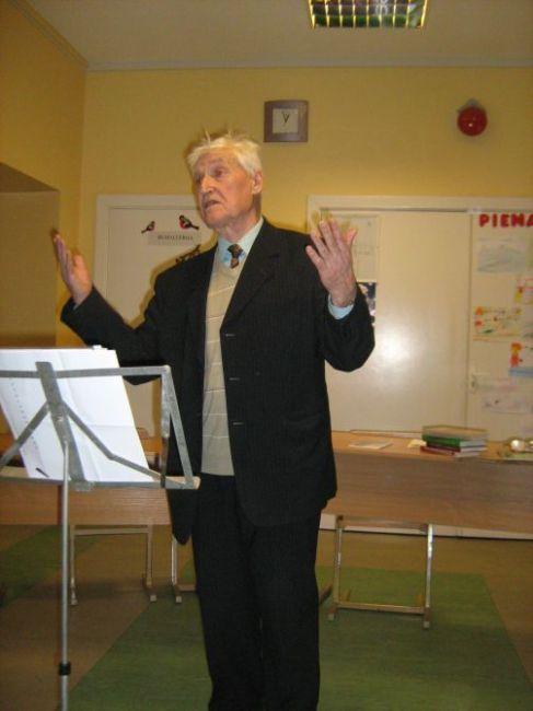 Prisiminimais iš lagerio laikų dalijasi buvęs polit. kalinys S. Stungurys.