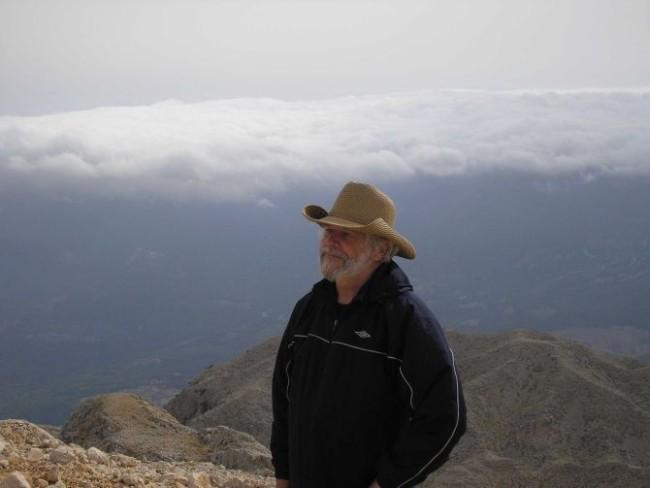 V.Čaplikas mėgsta pasižvalgyti po pasaulį ir nuo aukštesnių kalnų. Tahtali viršukalnė Turkijoje.